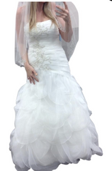 David's Bridal 'WG3416' size 4 used wedding dress front view on bride