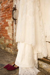 Allure Bridals '9068' size 6 used wedding dress view of hemline