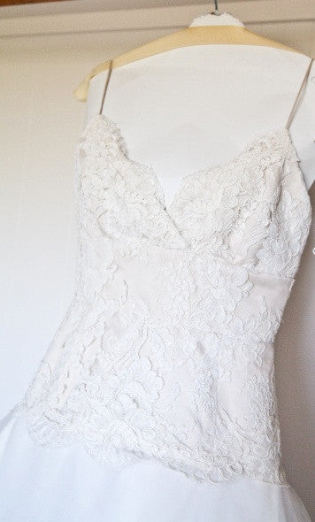 Monique Lhuillier 'Swan Lake' - Monique Lhuillier - Nearly Newlywed Bridal Boutique - 5
