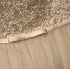 Alfred Angelo '2595' size 16 new wedding dress close up of fabric