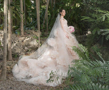 Load image into Gallery viewer, Monique Lhuillier 'Secret Garden Gown' wedding dress size-08 PREOWNED
