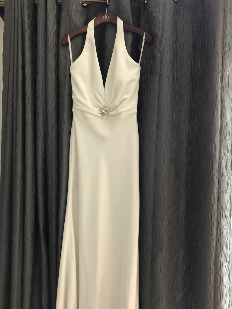 Paloma Blanca 'Blue Bird Toronto' size 12 new wedding dress front view on hanger
