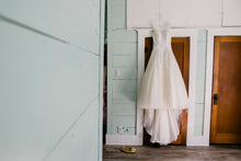 Load image into Gallery viewer, Justin Alexander ' 8630' size 4 used wedding dress front view on hanger