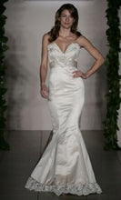 Load image into Gallery viewer, Alvina Valenta '0796AV58' - Alvina Valenta - Nearly Newlywed Bridal Boutique - 4