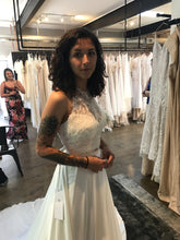 Load image into Gallery viewer, Watters 'Willow' wedding dress size-00 PREOWNED