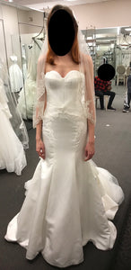 Zac Posen '345004' size 6 sample wedding dress front view on bride