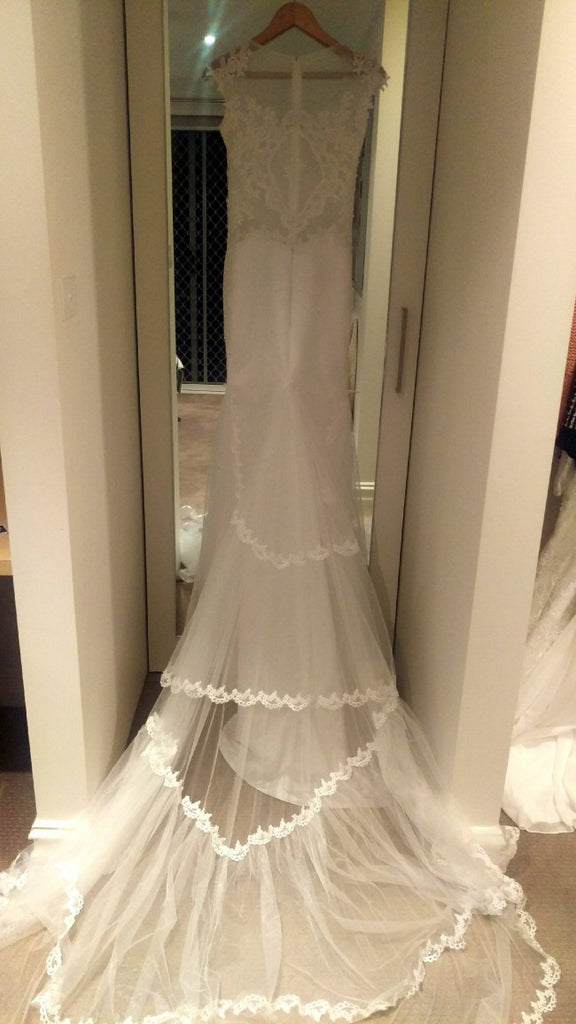 Alex dumente 39 39 calabro 39 size 4 new wedding dress nearly for Resell your wedding dress