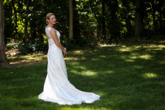 Casablanca '2072' size 12 used wedding dress side view on bride