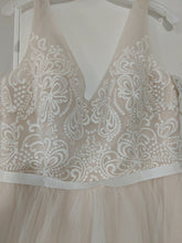 Load image into Gallery viewer, Galina 'Tulle Tank V-Neck' size 10 new wedding dress front view close up