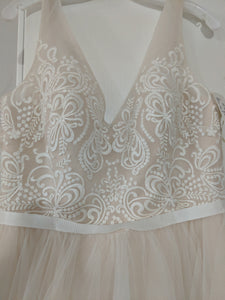 Galina 'Tulle Tank V-Neck' size 10 new wedding dress front view close up