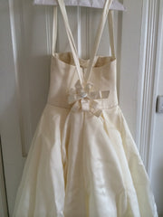 Vera Wang Style 16312 - Vera Wang - Nearly Newlywed Bridal Boutique - 3