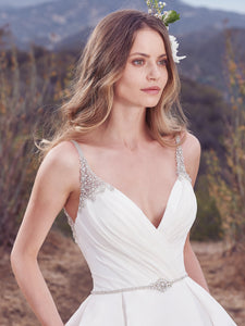Maggie Sottero 'Rory' size 16 new wedding dress front view close up