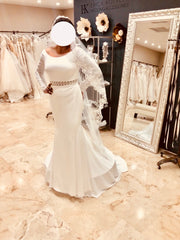 Pronovisa 'Onoe' size 10 new wedding dress front view on bride