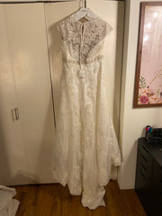 David's Bridal 'T3299' size 14 new wedding dress back view on hanger