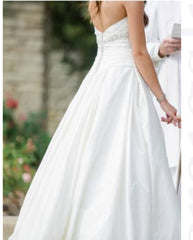 Paloma Blanca '4203' size 8 used wedding dress back view on bride