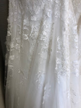 Load image into Gallery viewer, Essence of Australia 'D2453' size 20 new wedding dress view of fabric