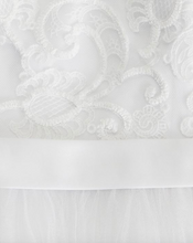 Load image into Gallery viewer, David's Bridal 'Tulle Lace Illusion' size 4 used wedding dress close up of fabric