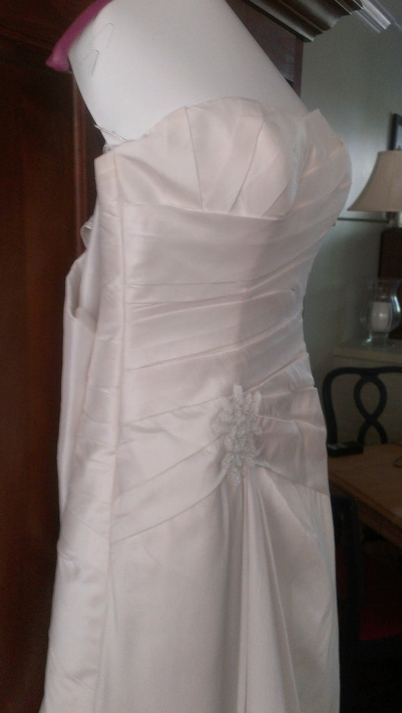 Pronovias 'Almata' - Pronovias - Nearly Newlywed Bridal Boutique - 3