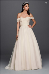 "David's Bridal ""Tulle Beaded Lace Sweetheart Wedding Dress"" - WG3785"