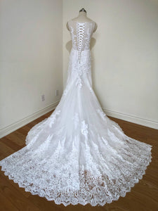 Moviani 'NA' wedding dress size-04 SAMPLE