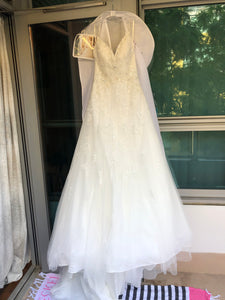 Stella York '6347' size 4 new wedding dress front view on hanger