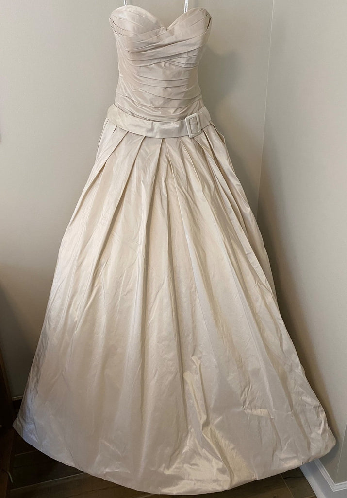 Ian Stuart 'Blueberry Hill' wedding dress size-06 NEW