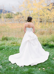 Monique Lhuillier 'Maxfield' size 4 used wedding dress back view on bride