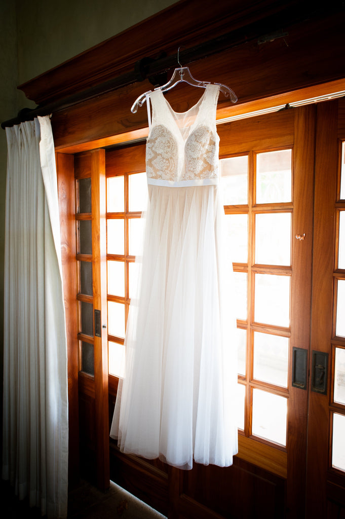 Watters 'Santina' size 0 used wedding dress front view on hanger