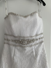 Load image into Gallery viewer, Cosmobella '7385' size 12 used wedding dress front view close up