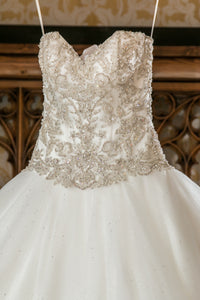 Eddy K. 'CT112' size 6 used wedding dress front view close up
