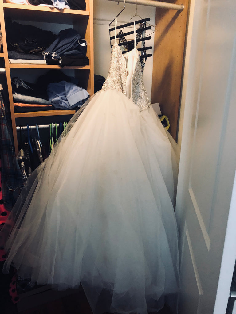 Kenneth Winston '1597' size 2 used wedding dress front view on hanger