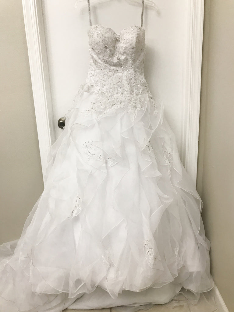 Alfred Angelo 'Sapphire' size 4 sample wedding dress front view on hanger