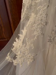 Reem Acra 'Dreamy' size 12 used wedding dress close up of fabric