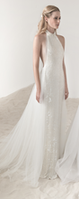 Load image into Gallery viewer, Lee Petra Grebenau 'Elinor' size 4 sample wedding dress front view on model