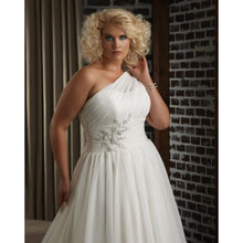 Load image into Gallery viewer, Bonny Bridal 'Unforgettable 1313'
