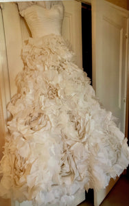 Monique Lhuillier 'Sunday Rose ' wedding dress size-02 PREOWNED