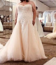Load image into Gallery viewer, Alfred Angelo '3010' size 24 new wedding dress front view on bride