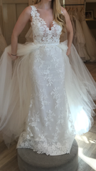 Lazaro 'Venice Lace' size 6 used wedding dress front view on bride