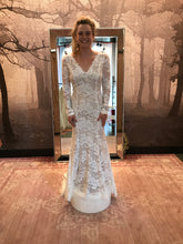 Load image into Gallery viewer, Watters 'Luna' size 8 new wedding dress front view on bride