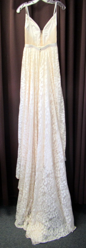 Truvelle 'Custom' size 4 used wedding dress back view on hanger