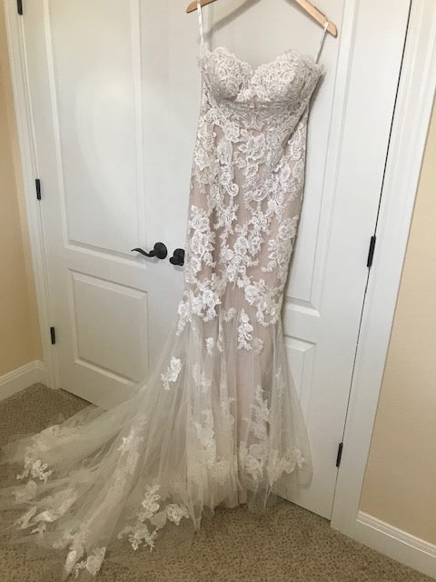 Enzoani 'Katerina' size 6 new wedding dress front view on hanger
