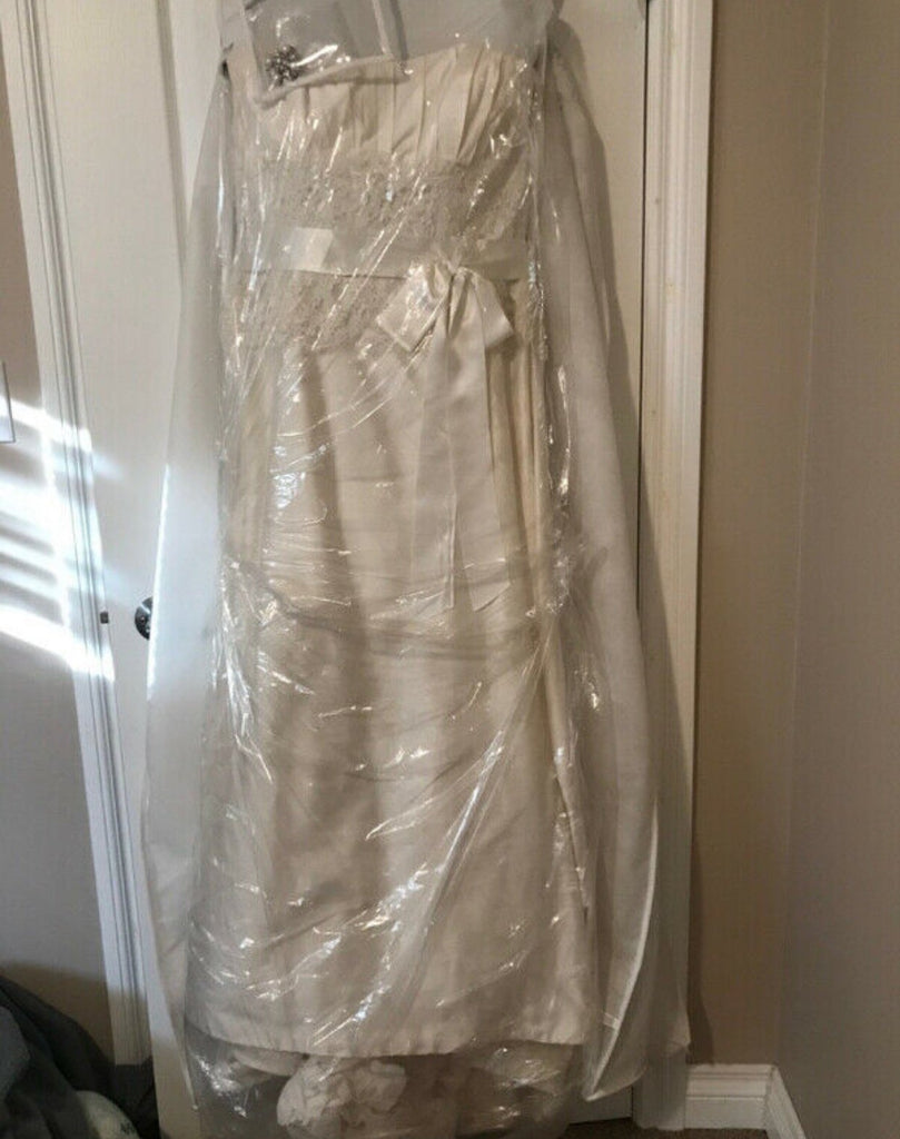 Paloma Blanca '3851' size 14 used wedding dress front view in bag