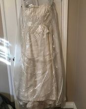 Load image into Gallery viewer, Paloma Blanca '3851' size 14 used wedding dress front view in bag