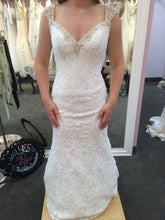 Load image into Gallery viewer, Alfred Angelo '2524' size 6 new wedding dress front view on bride