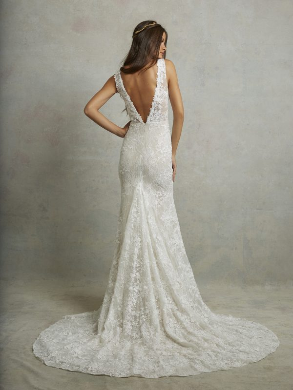 Tara Lauren 'Montgomery' size 4 new wedding dress back view on model