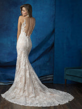 Load image into Gallery viewer, Allure '9363' size 2 used wedding dress back view on model