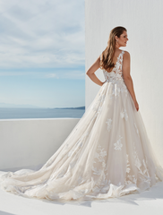 Justin Alexander 'Tulle and Lace Ball Gown 88086'