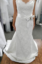 Load image into Gallery viewer, Paloma Blanca 'Modern' size 8 used wedding dress front view on bride