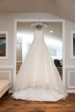Load image into Gallery viewer, Anjolique Bridal '46319' size 6 used wedding dress front view on hanger