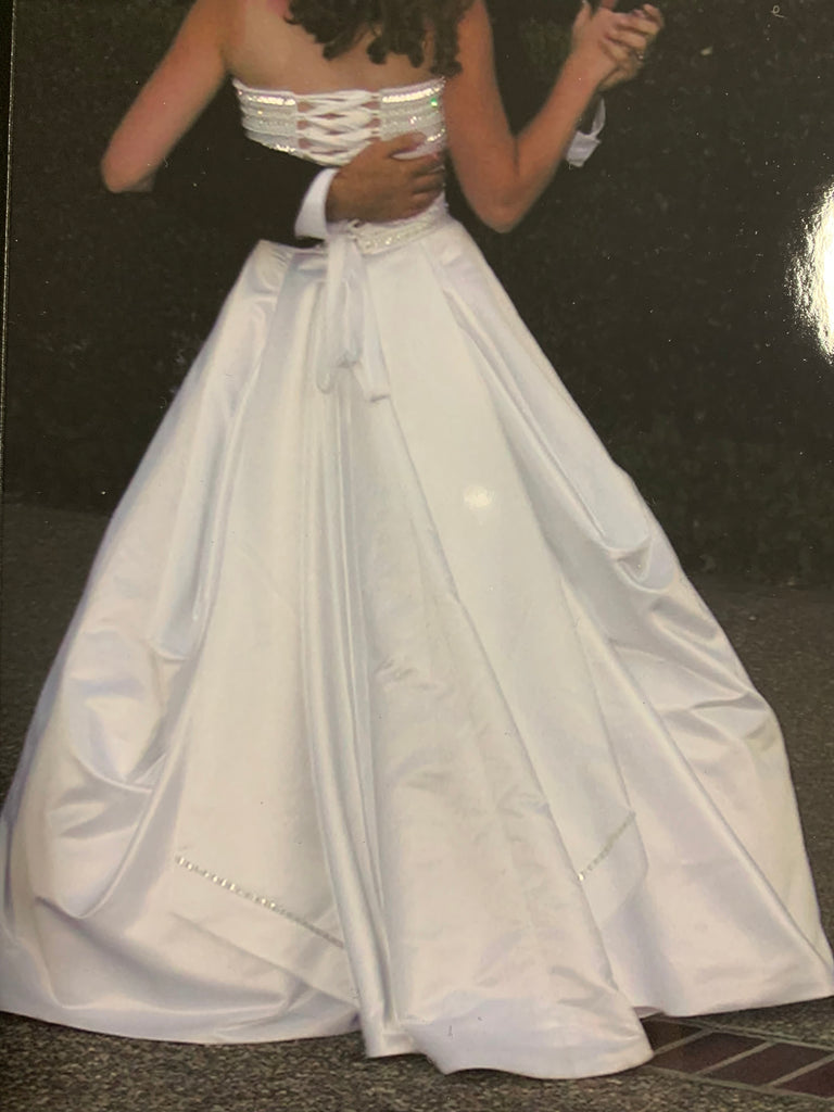Maggie Sottero 'A Line' size 10 used wedding dress back view on bride